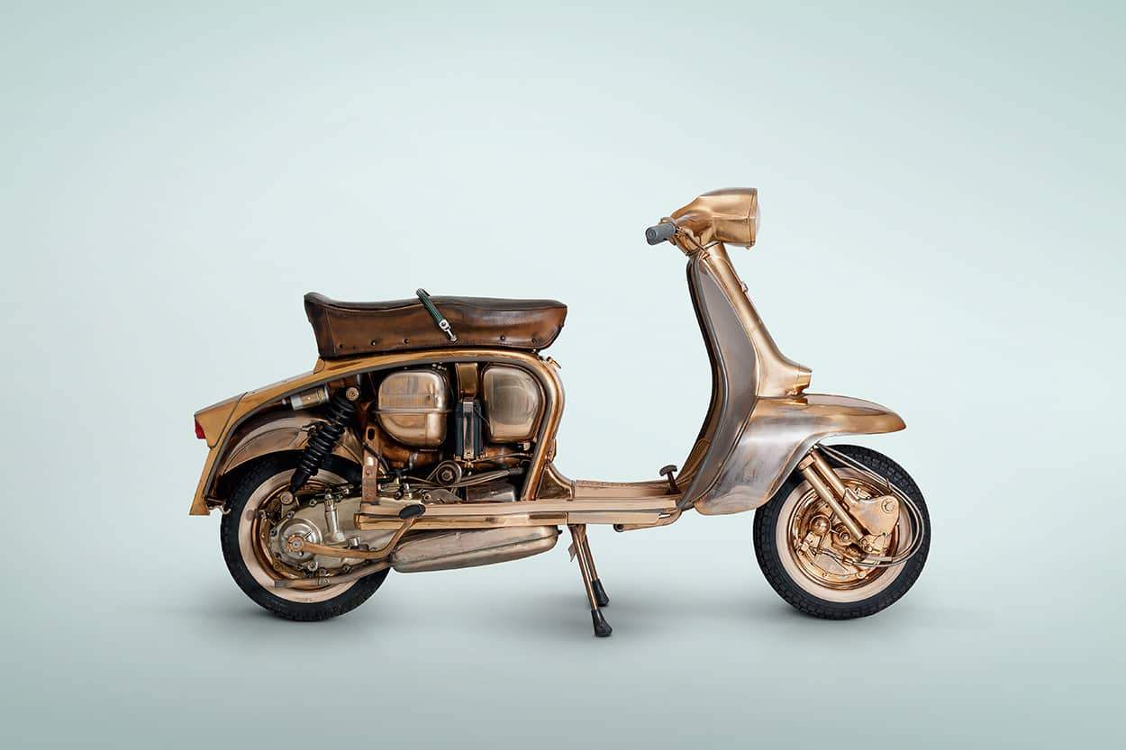 themediumgray postproduction photografia lambretta oro